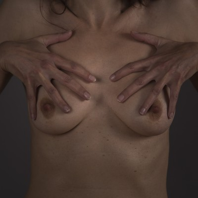 Veronique_Breasts_03