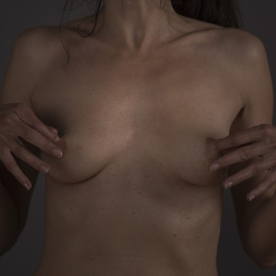 Veronique_Breasts_04